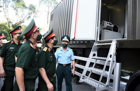 Phó Thủ tướng Lê Văn Thành thăm Bệnh viện Quân y 175 ảnh 1