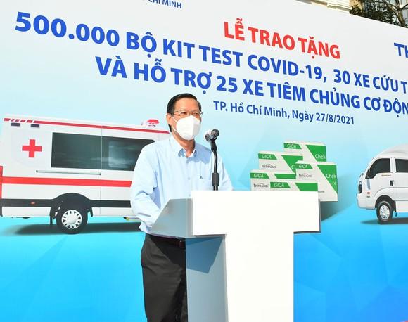 TPHCM tiếp nhận phương tiện, vật tư y tế do THACO trao tặng trị giá 161 tỷ đồng  ảnh 3