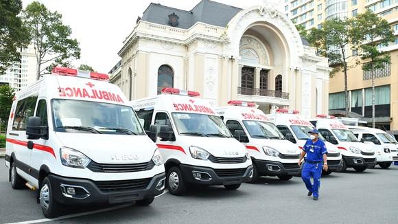 TPHCM tiếp nhận phương tiện, vật tư y tế do THACO trao tặng trị giá 161 tỷ đồng  ảnh 2