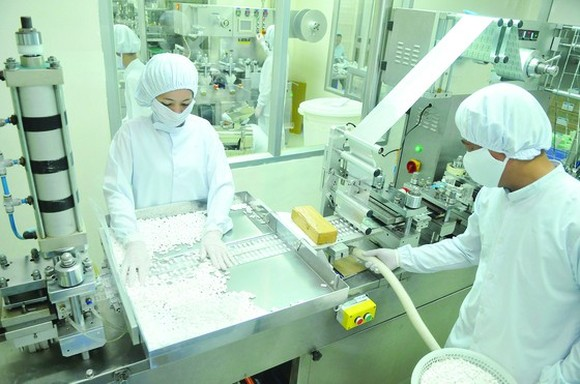 Pharmaceutical production is in dire need for medicinal supporting industry. (Photo: SGGP)