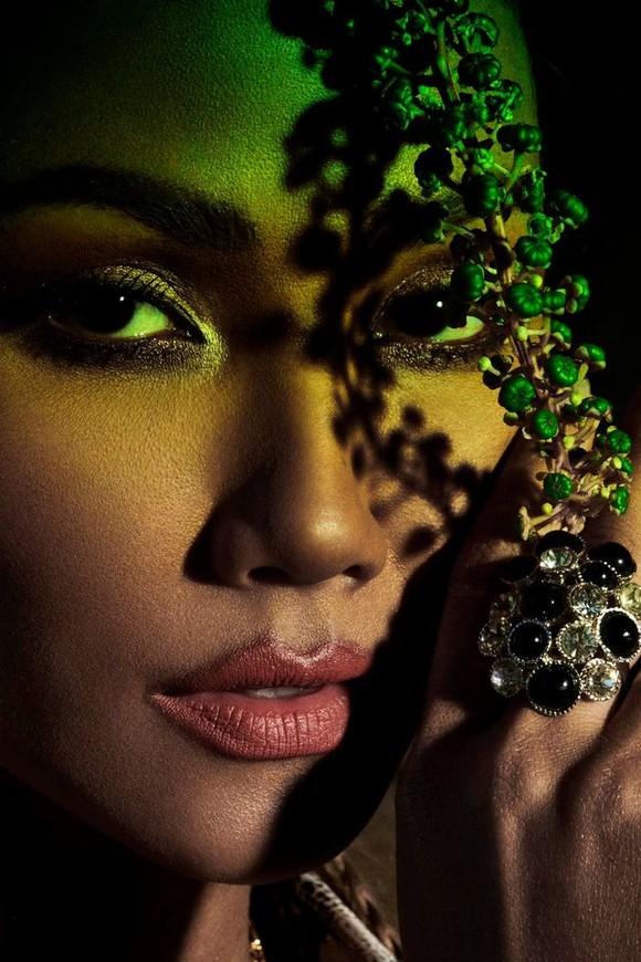 """Tiểu Vy hóa """"nàng thơ"""" tươi mới, tràn đầy năng lượng trong dự án """"Fashion Destination"""" của NTK Lê Thanh Hòa ảnh 21"""