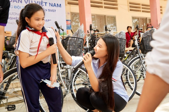 Hoa hậu Hoàn vũ Việt Nam trao yêu thương với những hoạt động hỗ trợ cộng đồng ảnh 6