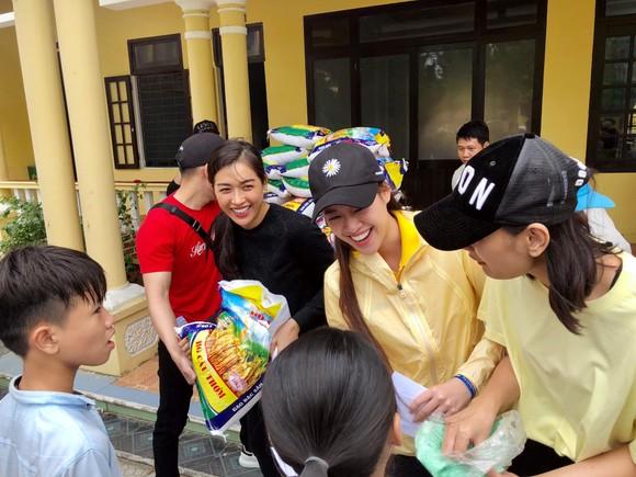 Hoa hậu Hoàn vũ Việt Nam trao yêu thương với những hoạt động hỗ trợ cộng đồng ảnh 3