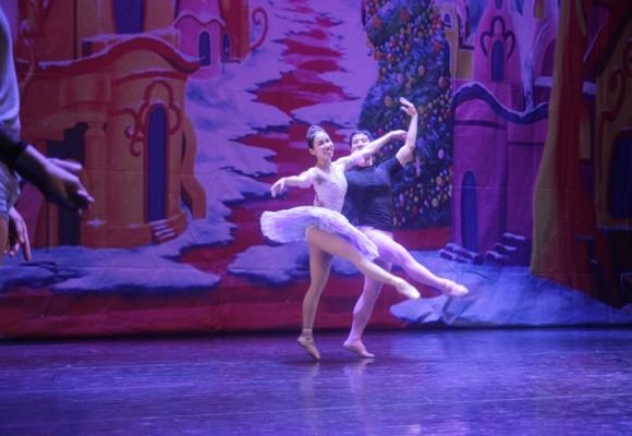 Vở vũ kịch 'Kẹp hạt dẻ' trở lại với khán giả vào mùa Giáng sinh  ảnh 5