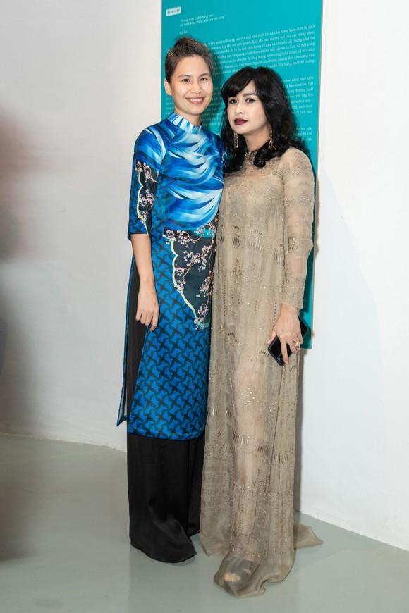 Nhiều nghệ sĩ xuất hiện tại triển lãm Mộng bình thường của Thủy Nguyễn ảnh 2