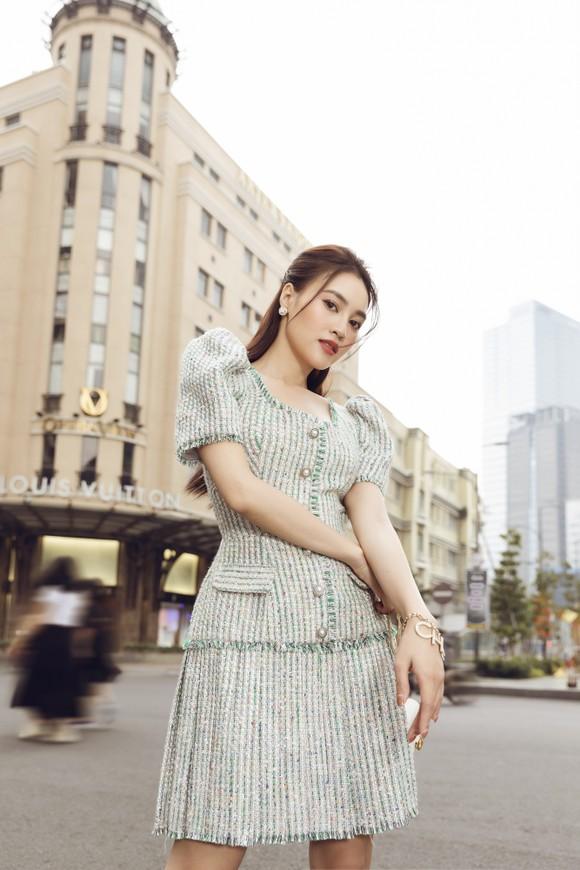 Ninh Dương Lan Ngọc gợi ý loạt váy diện dạo phố trong tiết trời se lạnh dịp cuối năm ở TPHCM ảnh 5
