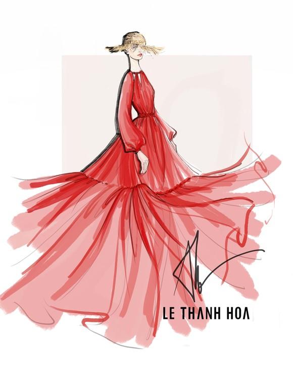 Hoa hậu Khánh Vân, vợ chồng Đông Nhi, Ông Cao Thắng cùng xuất hiện tại show thời trang của NTK Lê Thanh Hoà ảnh 2