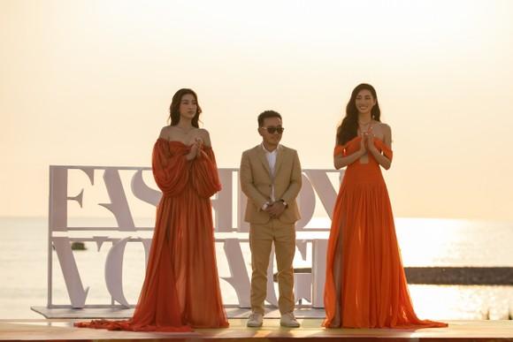 NTK Lê Thanh Hòa ra mắt BST thời trang mới 'Like The Sunshine' ảnh 2