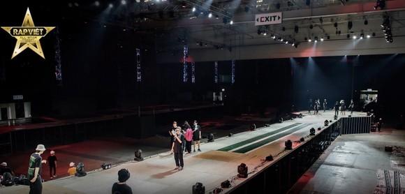 Live Concert Rap Việt All-Star hé lộ loạt hình ảnh tổng duyệt 'gây choáng' ảnh 2