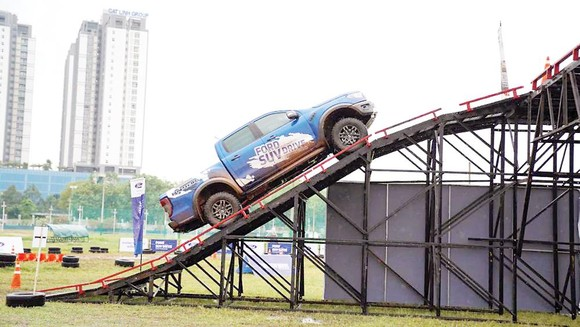 Ford Việt Nam khởi động chuỗi sự kiện lái thử Ford SUV Drive - thách thức mọi giới hạn