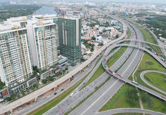 Cửa ngõ phía Đông TPHCM kết nối với vùng kinh tế trọng điểm phía Nam. Ảnh: CAO THĂNG