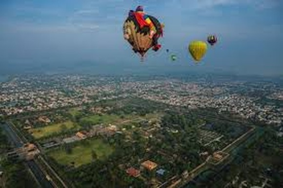 Hue Int'l Hot Air Balloon Festival 2019 wraps up