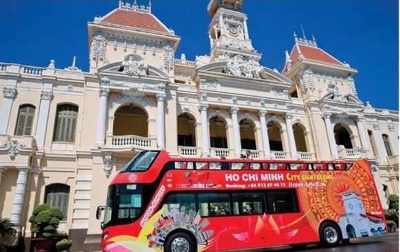 Hop on Hop Off Bus in Ho Chi Minh city (Photo: SGGP)