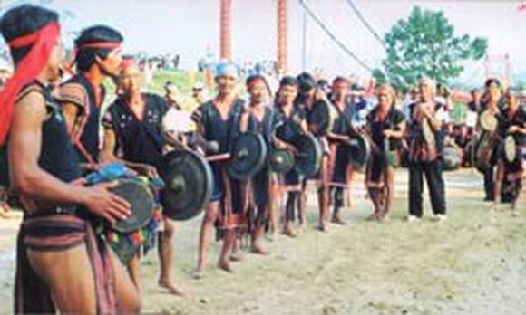 Gong performance in the Central Highlands (Photo: SGGP)