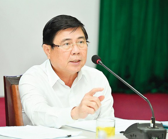 Chairman of the People's Committee of HCMC, Nguyen Thanh Phong speaks at the meeting. (Photo: SGGP)