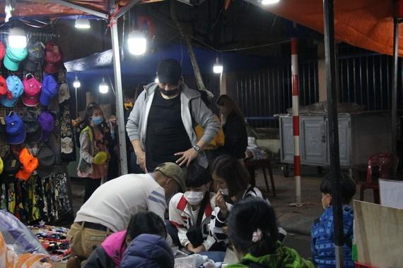 Son Tra night market in Da Nang City