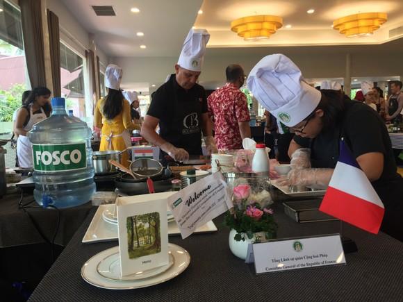 Khi gia đình ngoại giao vào bếp lần thứ III năm 2020 ảnh 4