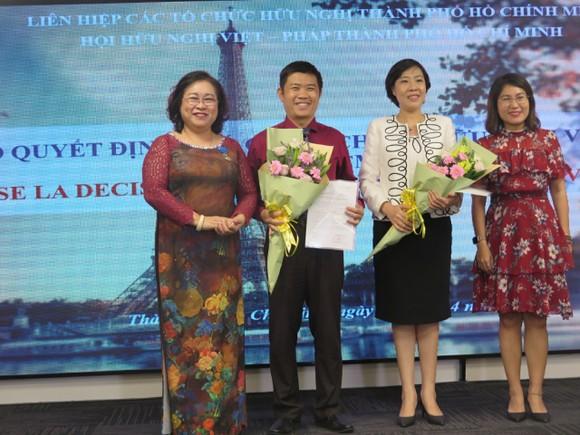 Trao huân chương Sĩ quan Công trạng quốc gia Pháp tặng Chủ tịch Hội hữu nghị Việt - Pháp TPHCM ảnh 3