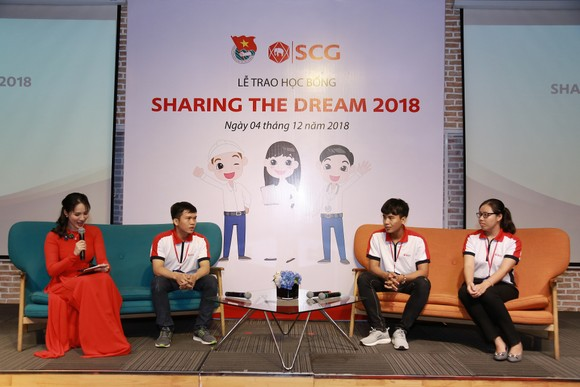 """Học bổng """"Chia sẻ ước mơ"""" đến với 20 sinh viên xuất sắc ở TPHCM, Đồng Nai và Bình Dương ảnh 1"""