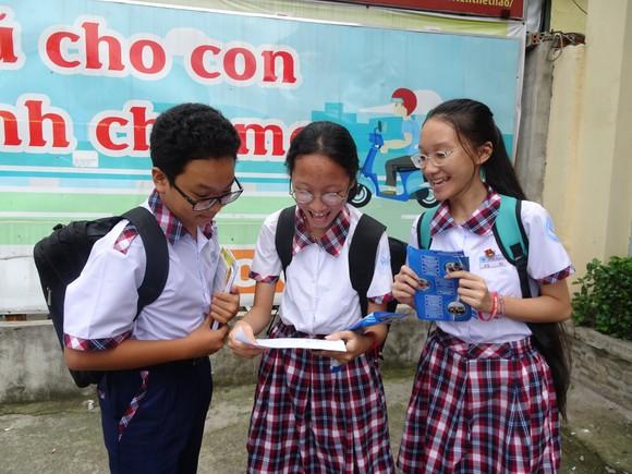 TPHCM: Công bố đề thi và đáp án các môn thi tuyển sinh lớp 10 năm học 2020-2021 ảnh 1