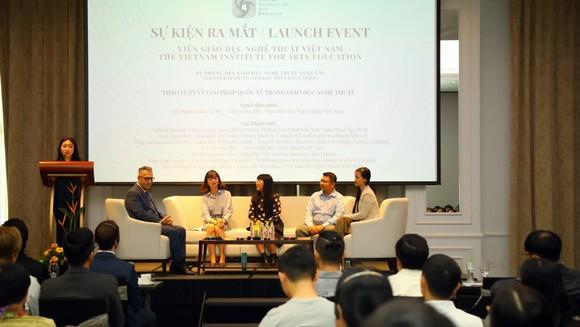 Các chuyên gia trong và ngoài nước trao đổi về các giải pháp phát triển đào tạo nghệ thuật theo hướng hội nhập quốc tế