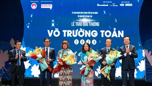 Giải thưởng Võ Trường Toản lần thứ 23 năm 2020 tôn vinh 50 nhà giáo tiêu biểu của TPHCM ảnh 5