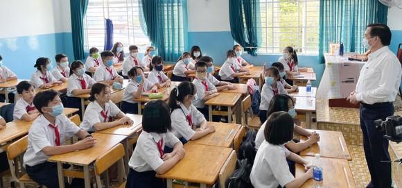 TPHCM: Hơn 1,7 triệu học sinh quay lại trường học  ảnh 1