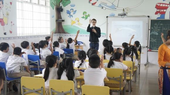 Đưa nhiều hoạt động thực nghiệm vào giảng dạy tiếng Anh cho học sinh ảnh 1