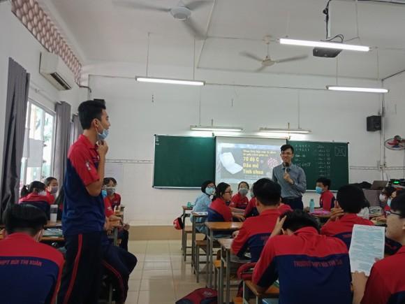 Giáo dục văn hóa Việt Nam và kỹ năng sống cho học sinh THPT ảnh 2