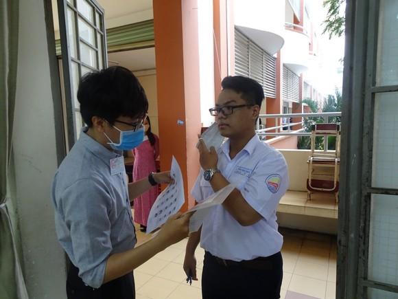 TPHCM: Đề xuất xét nghiệm Covid-19 cho cán bộ, giáo viên và thí sinh tham dự kỳ thi THPT ảnh 1