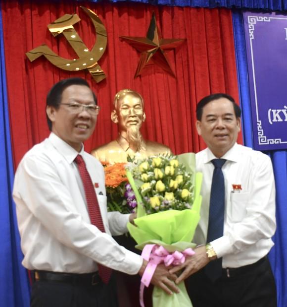Ông Trần Ngọc Tam được bầu làm Chủ tịch UBND tỉnh Bến Tre ảnh 1