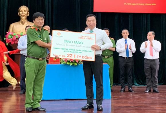 Tập đoàn Hưng Thịnh tặng trang thiết bị PCCC hiện đại cho TPHCM   ảnh 1