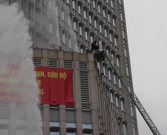 Hơn 2.350 người diễn tập chữa cháy tại tòa nhà cao tầng ảnh 3