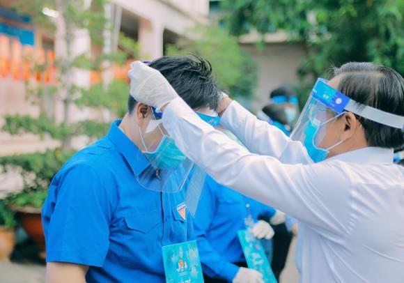 Hơn 4.000 thanh niên TPHCM ra quân hỗ trợ các điểm tiêm vaccine phòng Covid-19 ảnh 2
