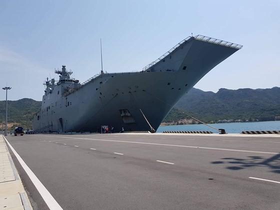Australian royal navy ships conduct goodwill visit to Vietnam ảnh 4