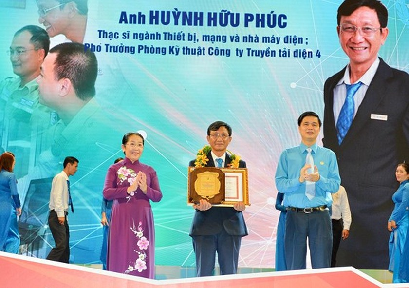 Ten dedicated workers honored with Ton Duc Thang Prize ảnh 1