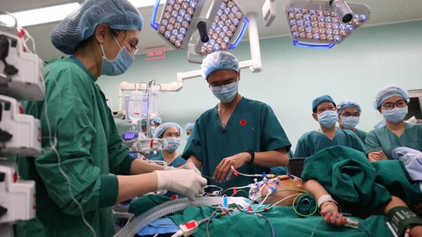 Conjoined twin girls successfully separated in HCMC  ảnh 8