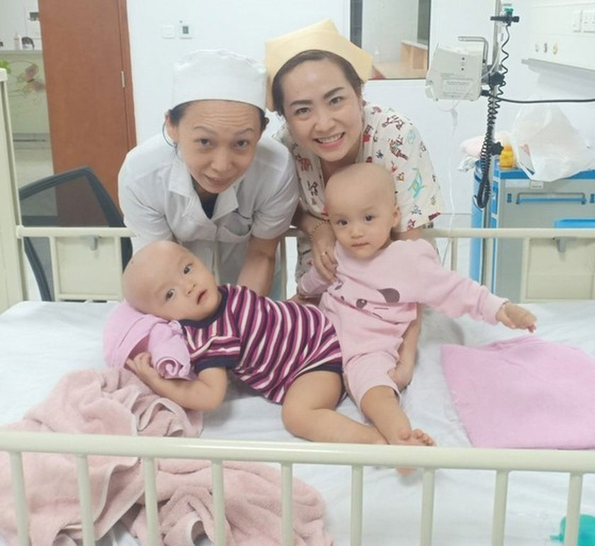 Conjoined twin girls successfully separated in HCMC  ảnh 21