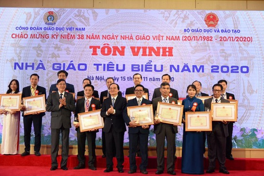 183 teachers honoured for their contributions to Vietnam's teaching profession ảnh 1