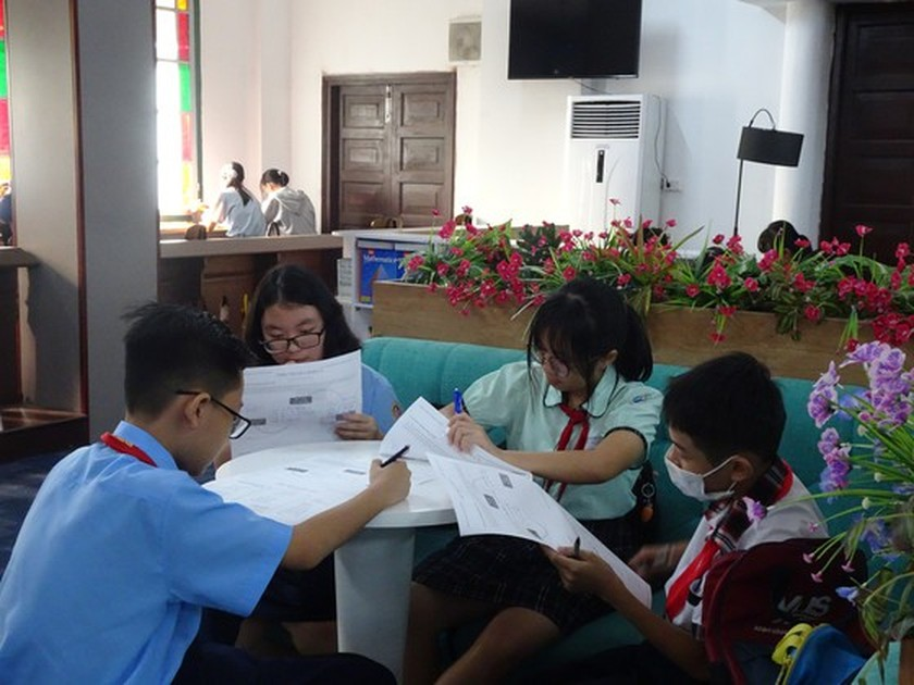 Book festival spreads human values amongst high schoolers ảnh 1