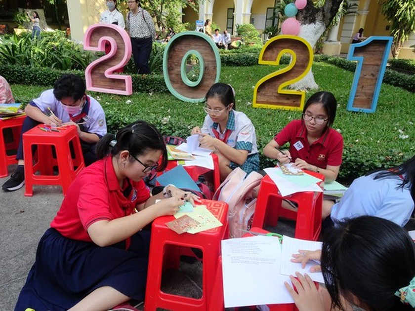 Book festival spreads human values amongst high schoolers ảnh 2