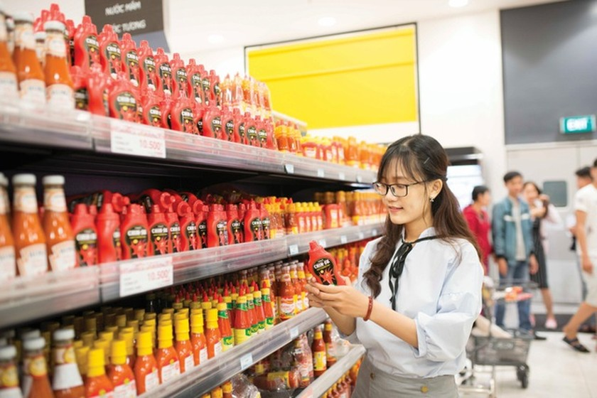 VN-Index bounces back on large-cap stocks ảnh 1