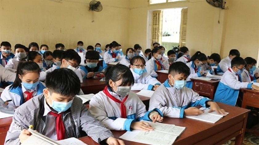Schools in HCMC allowed to collect fees for online teaching ảnh 1