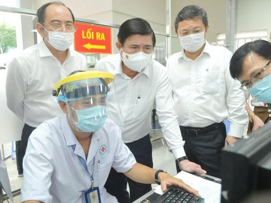HCMC determined to prevent Covid-19 spread in medical facilities ảnh 1