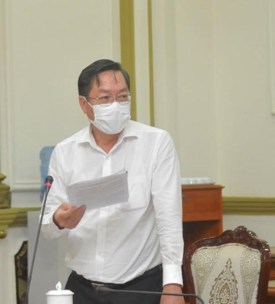 HCMC sees daily coronavirus cases reduce ảnh 2