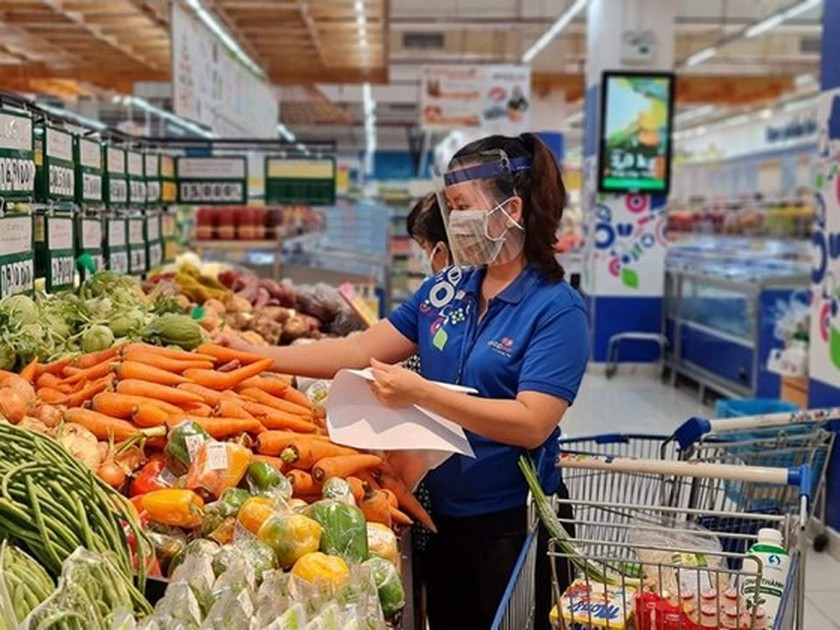 Supermarkets report dramatic increase in online orders these days ảnh 1