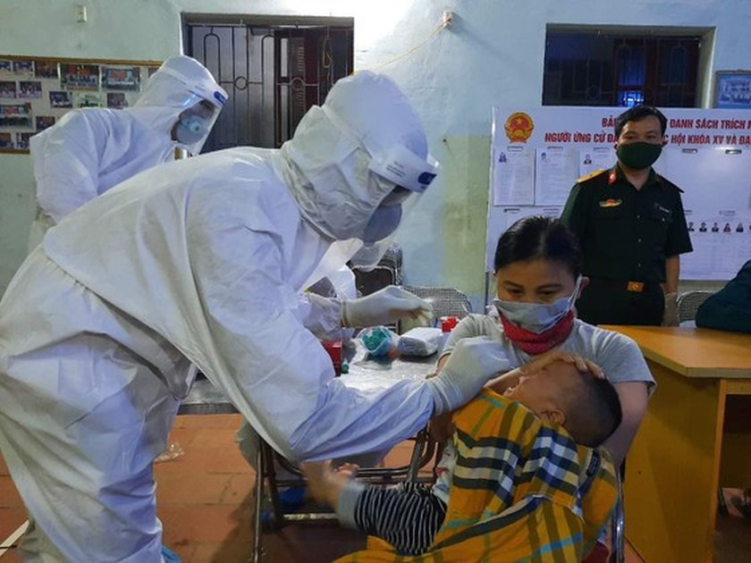 Three more children positive for SARS-CoV-2 related to market in Hanoi ảnh 1