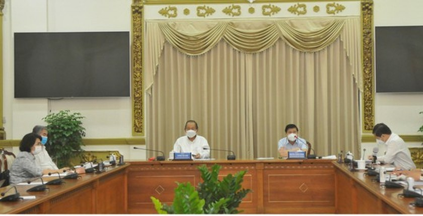 HCMC leader decides to extend social distancing from June 15 to June 30 ảnh 1