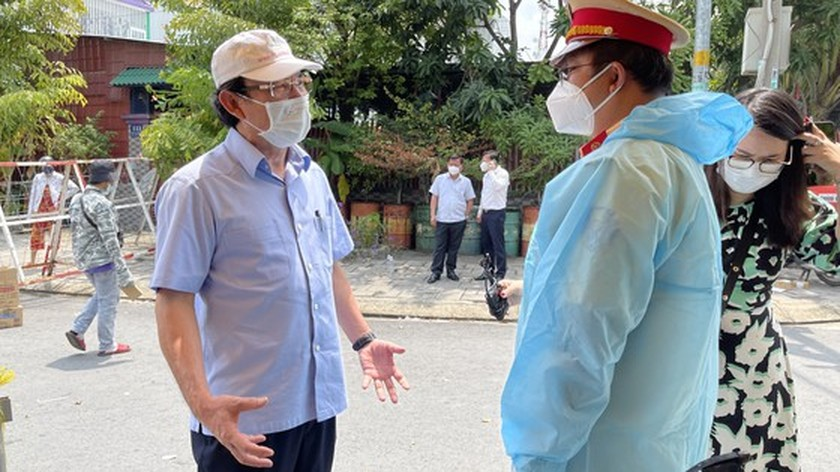 HCMC Party Chief pays unscheduled visits to check Covid-19 preventative task ảnh 1