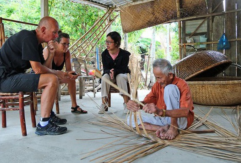 Vietnam strives for half of craft villages participating in supply chain in tourism ảnh 1